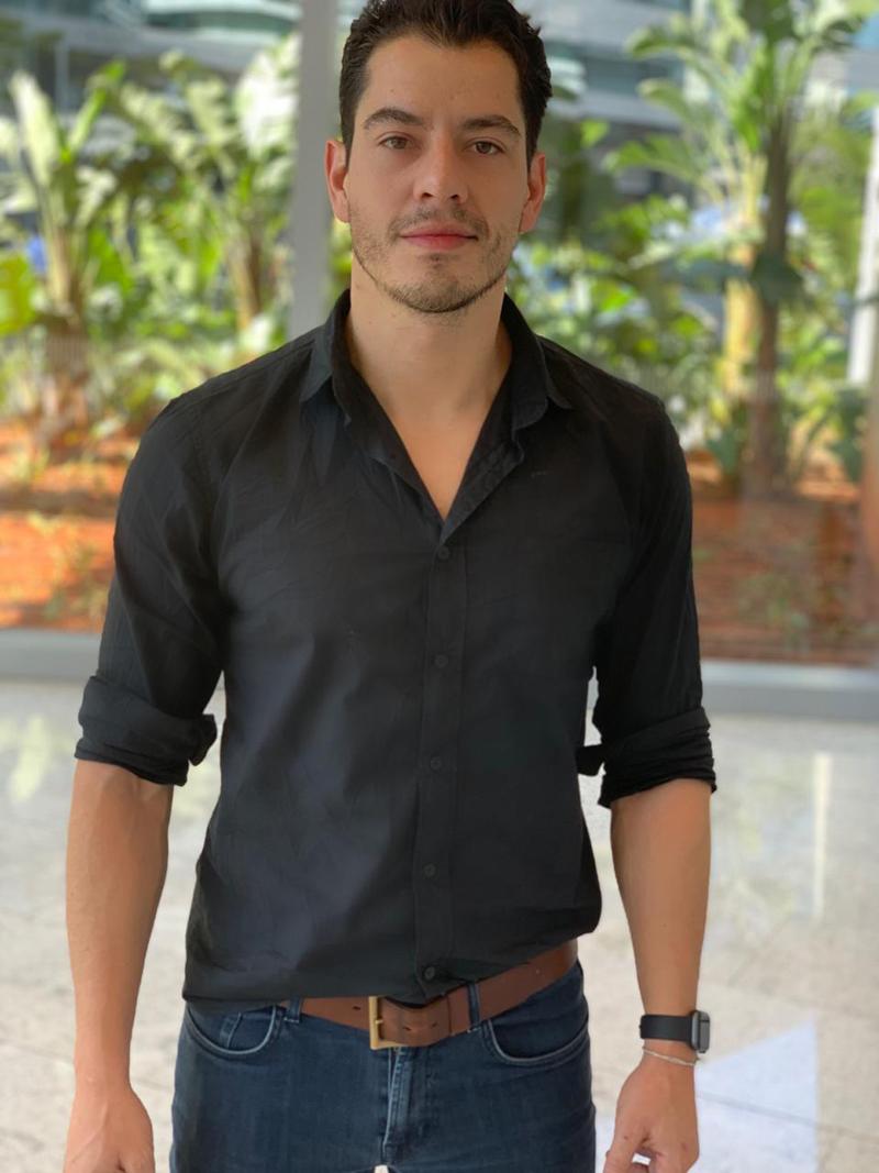 Diego Nicolau comemora expansão do restaurante