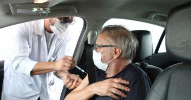 3ª dose será aplicada em idosos