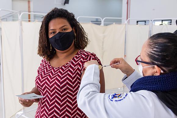 Santana de Paranaíba avança na vacinação de adolescentes